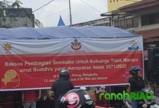 Sambut Imlek 2571/2020, Yayasan Hok Ann Kiong Bagi Sembako