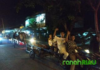 Remaja Musholla Al-Falah Desa Senggoro Rayakan Malam Takbiran Ala Kadarnya
