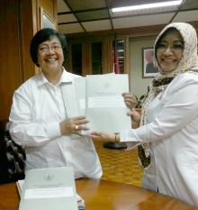 Intsiawati Sampaikan Aspirasi di  Daerah Kepada Menteri Siti