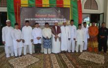 Bupati Bengkalis Melepaskan 18 JCH di Masjid Agung Istiqomah Bengkalis