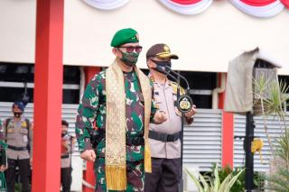 Kapolda Riau Irjen Pol Agung Sambut Mayjen TNI Irwansyah Pangdam I/BB