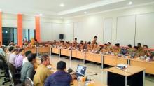 Dalam Suasana Akrab, Bupati Kuansing Bersama Pewarta Bincang Soal Pembangunan